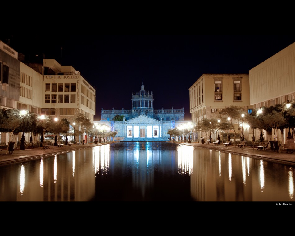 Fuente Plaza Tapatia
