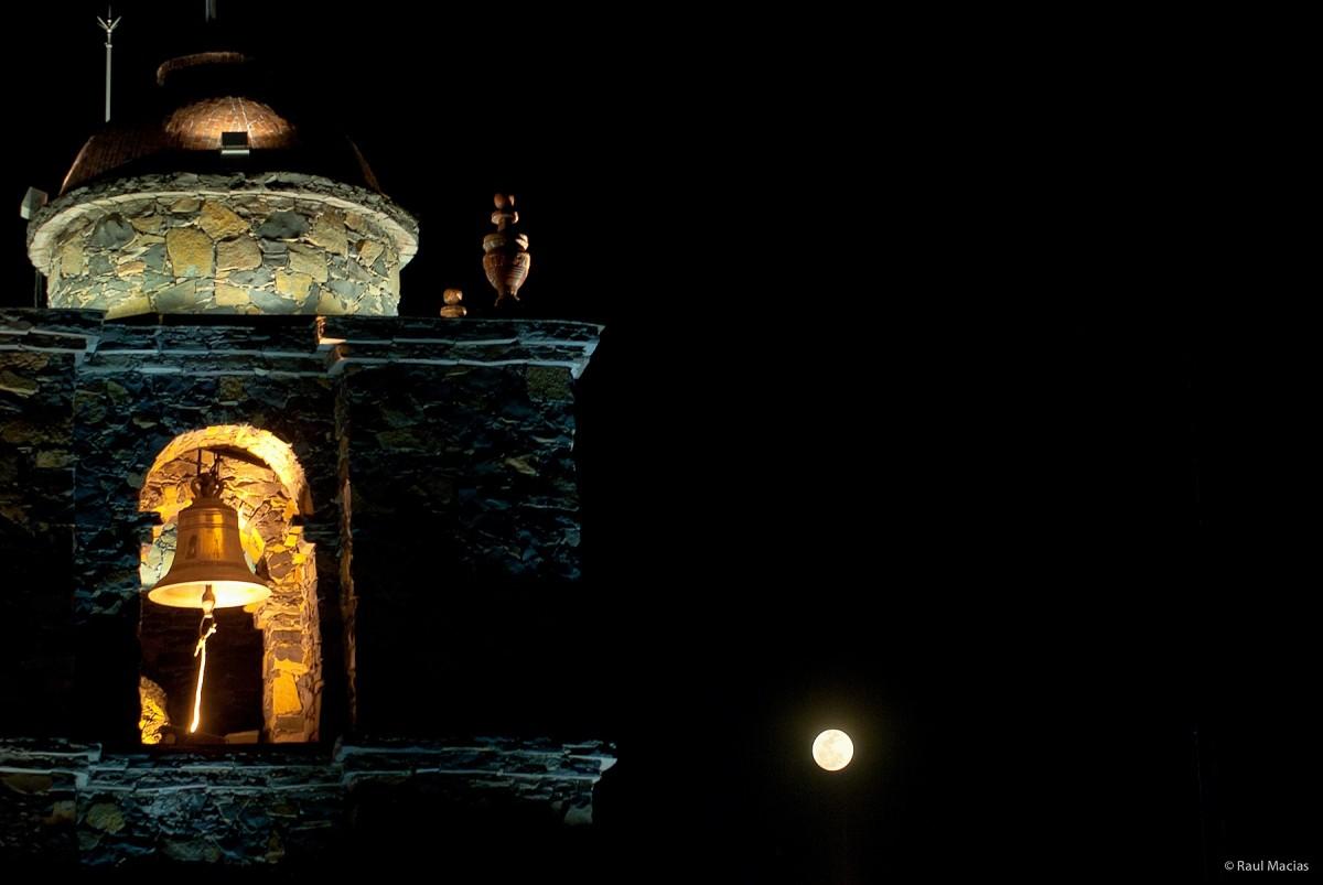 La Campana, La Luna